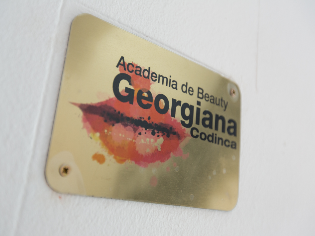 CONTACT ACADEMIA DE BEAUTY GEORGIANA CODINCA